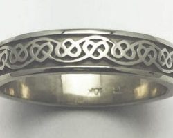 Men's Celtic style wedding band