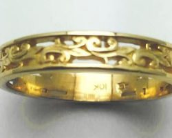 Men's scroll style wedding band