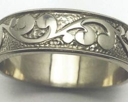 Men's scroll wedding band
