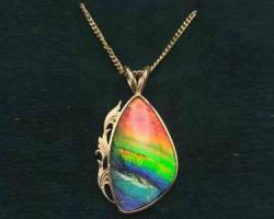 Ladies ammolite pendant
